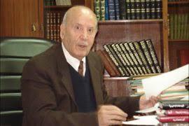 الأكاديمي واللغوي الأردني عبد الكريم خليفة